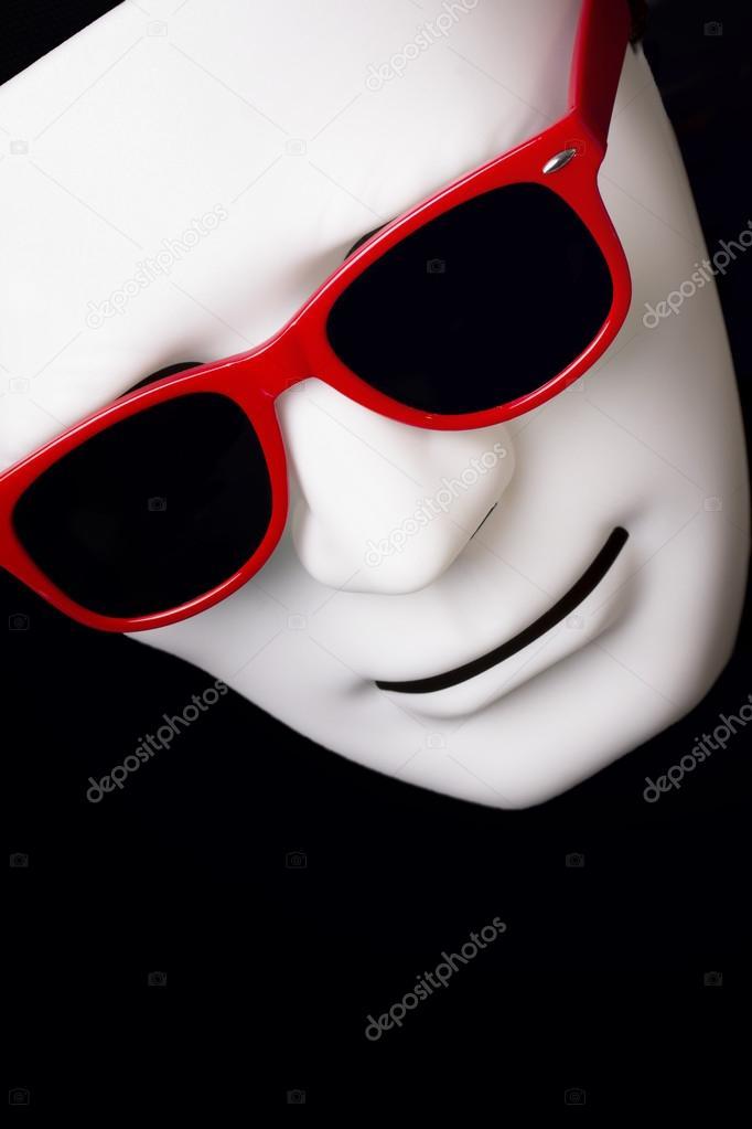 Maschera Di Carnevale In Occhiali Da Sole Rossi U2014 Foto Di Viculia