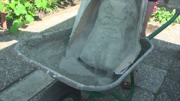 Lopata na betonové směsi