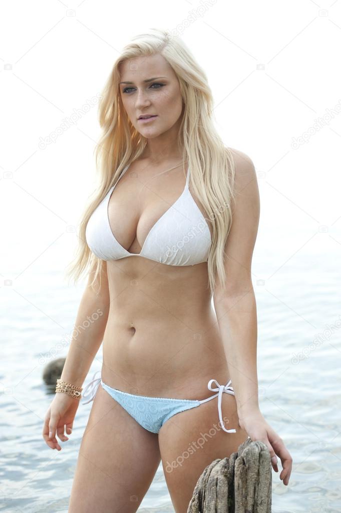 Gorgeous busty wife in bikini quite good