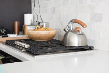 Gas Oven and Kitchenware