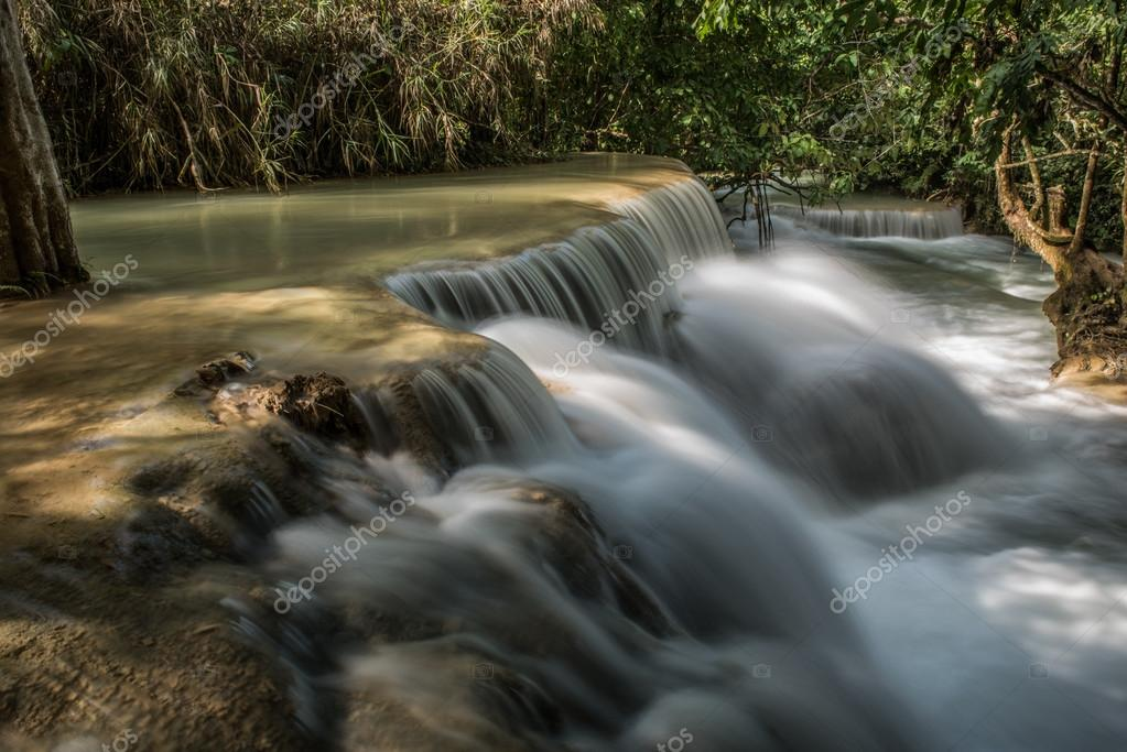 Speedy Water in Kuang Si