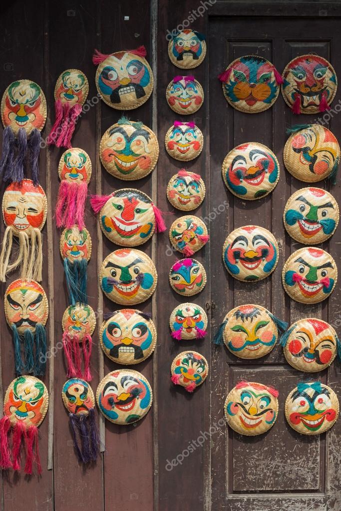 nuova collezione prezzo più basso con colore n brillante Trebbiatura cestino maschere, Hanoi, Vietnam — Foto Stock ...