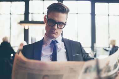 Man in suit with retro glasses