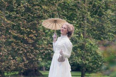 Victorian fashion woman