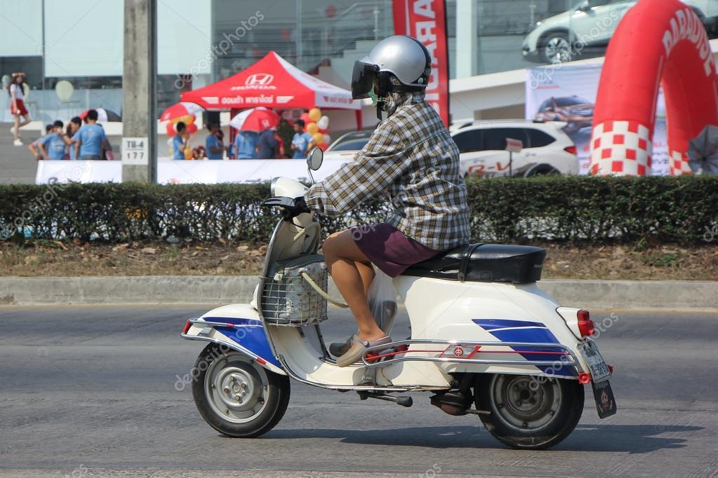 moto scooter vespa