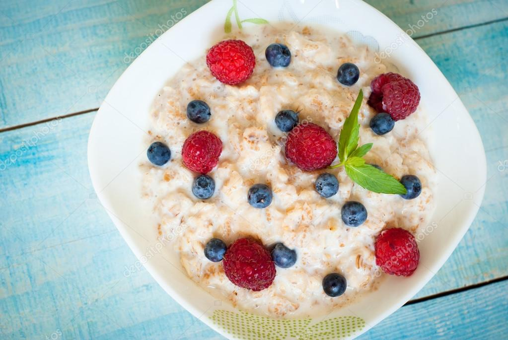 Oatmeal with different berries
