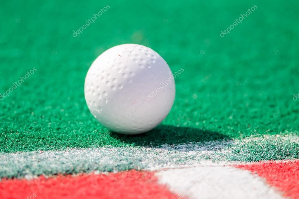 Bola del hockey de campo listo para una esquina — Foto de ...