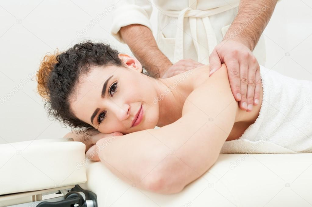 Массаж красивые девушки гармония эротический массаж