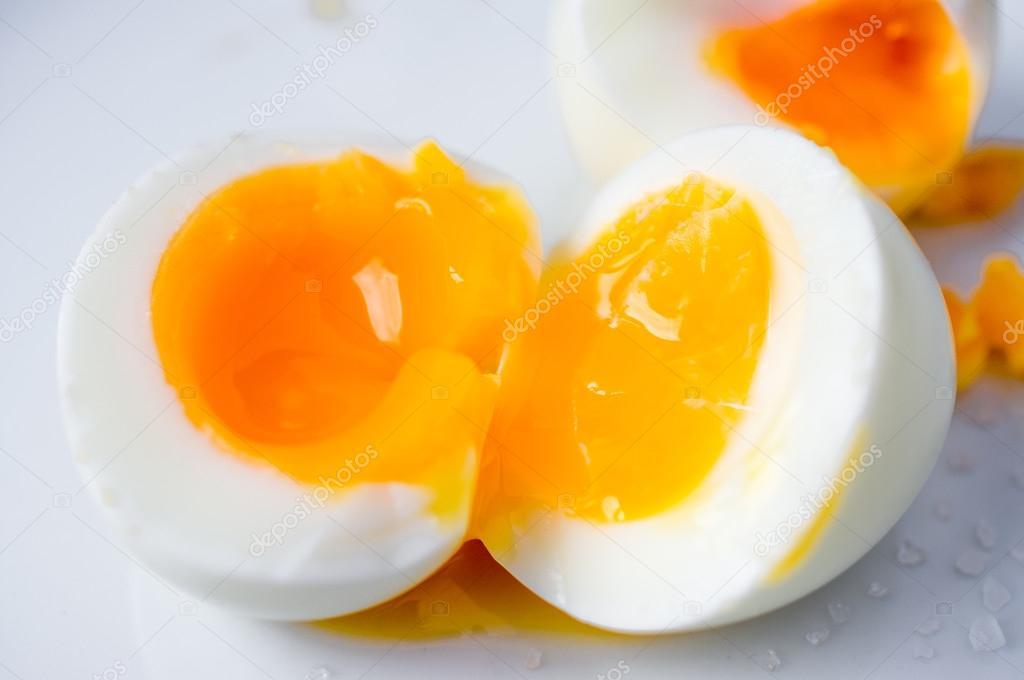 Gekochte Eier Bemalen : weich gekochtes ei stockfoto photosiber 54664423 ~ Watch28wear.com Haus und Dekorationen