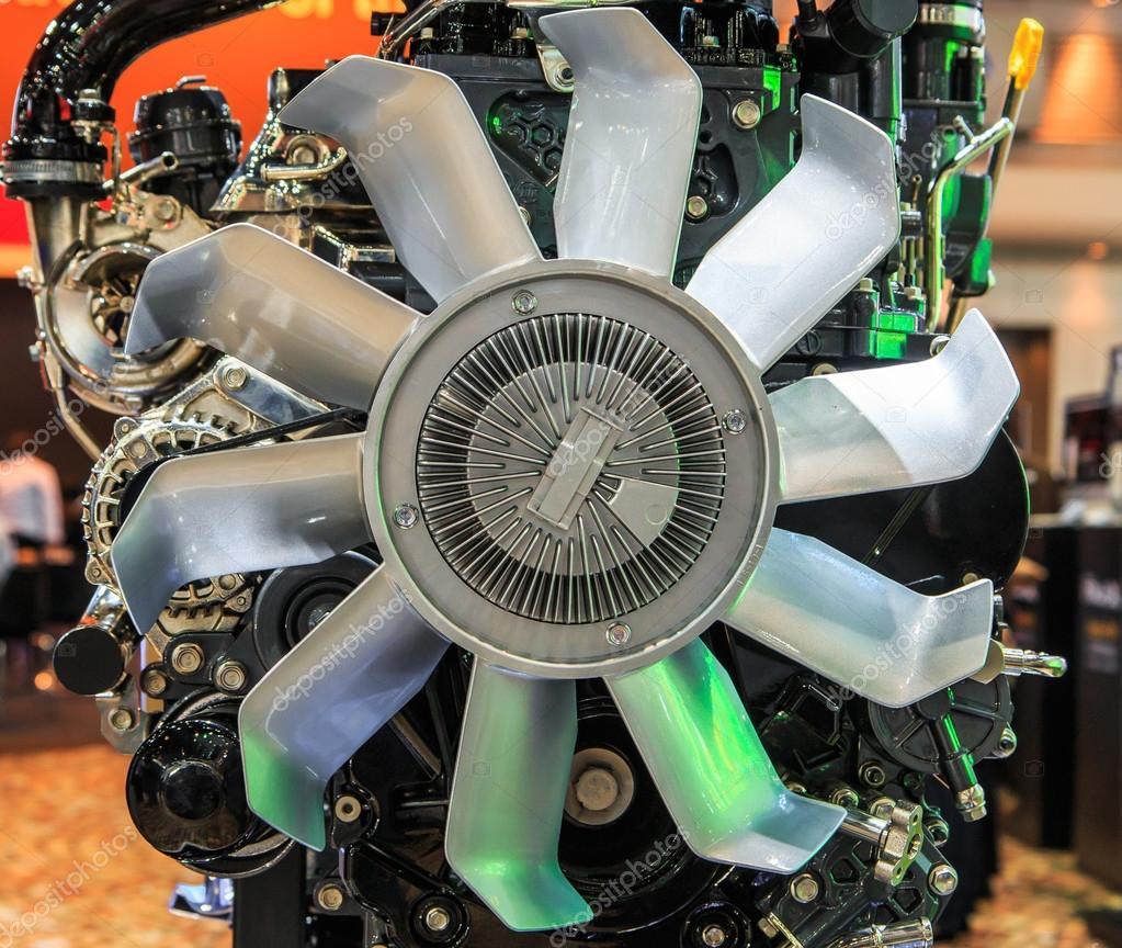 Teile von Auto-Motor — Stockfoto © Deerphoto #55339629