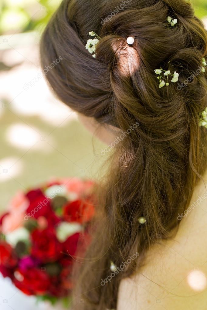 Braut Frisur Mit Echten Blumen Stockfoto C Garry Images 80381298
