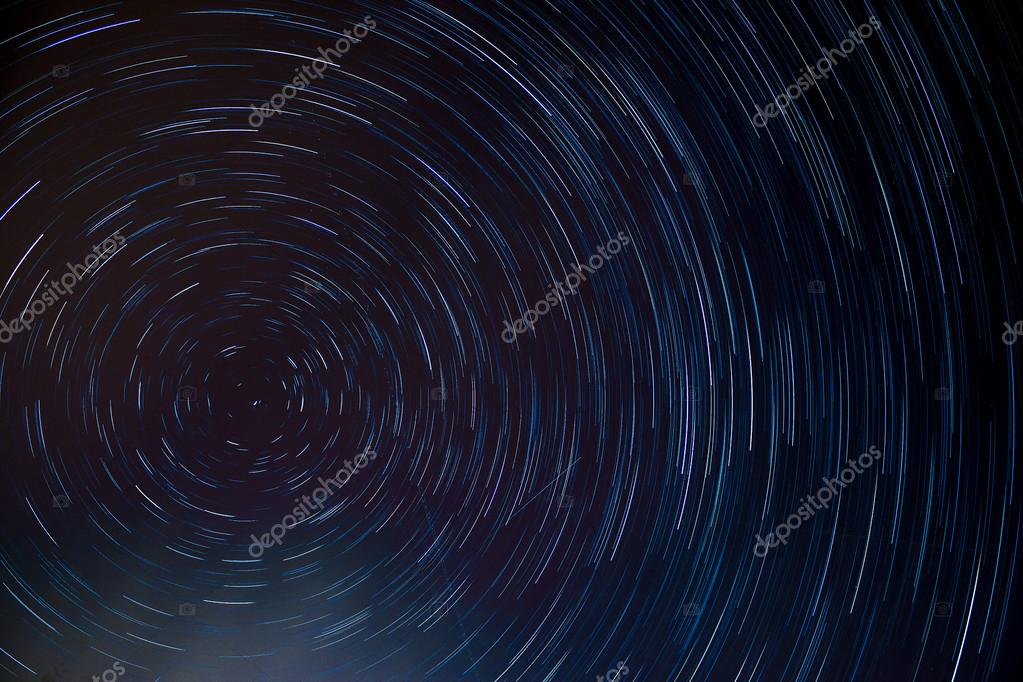 circle star trail at the north pole star