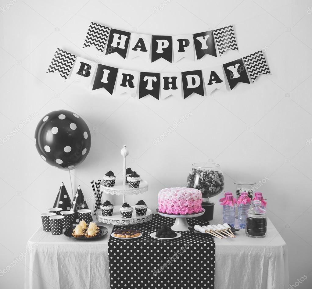 Decoracion black and white party - Fiestas de cumpleanos decoracion ...