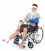 zranil mladý muž na invalidním vozíku