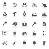 Trekingové ikony se odrážejí na bílém pozadí