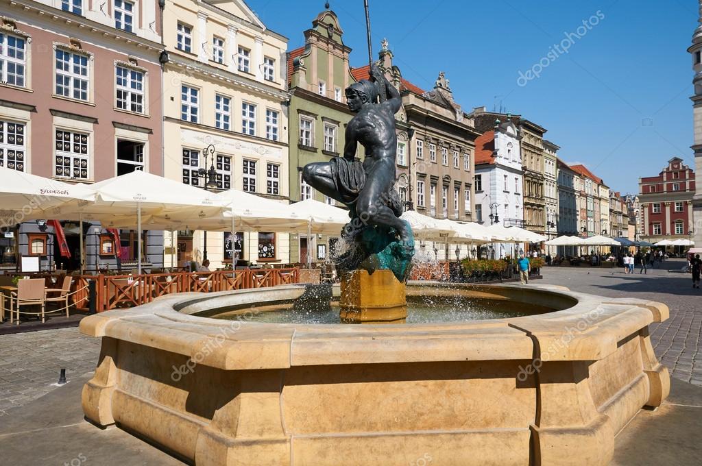 Fontaine de mars, place du vieux marché. Poznan — Photo éditoriale ...