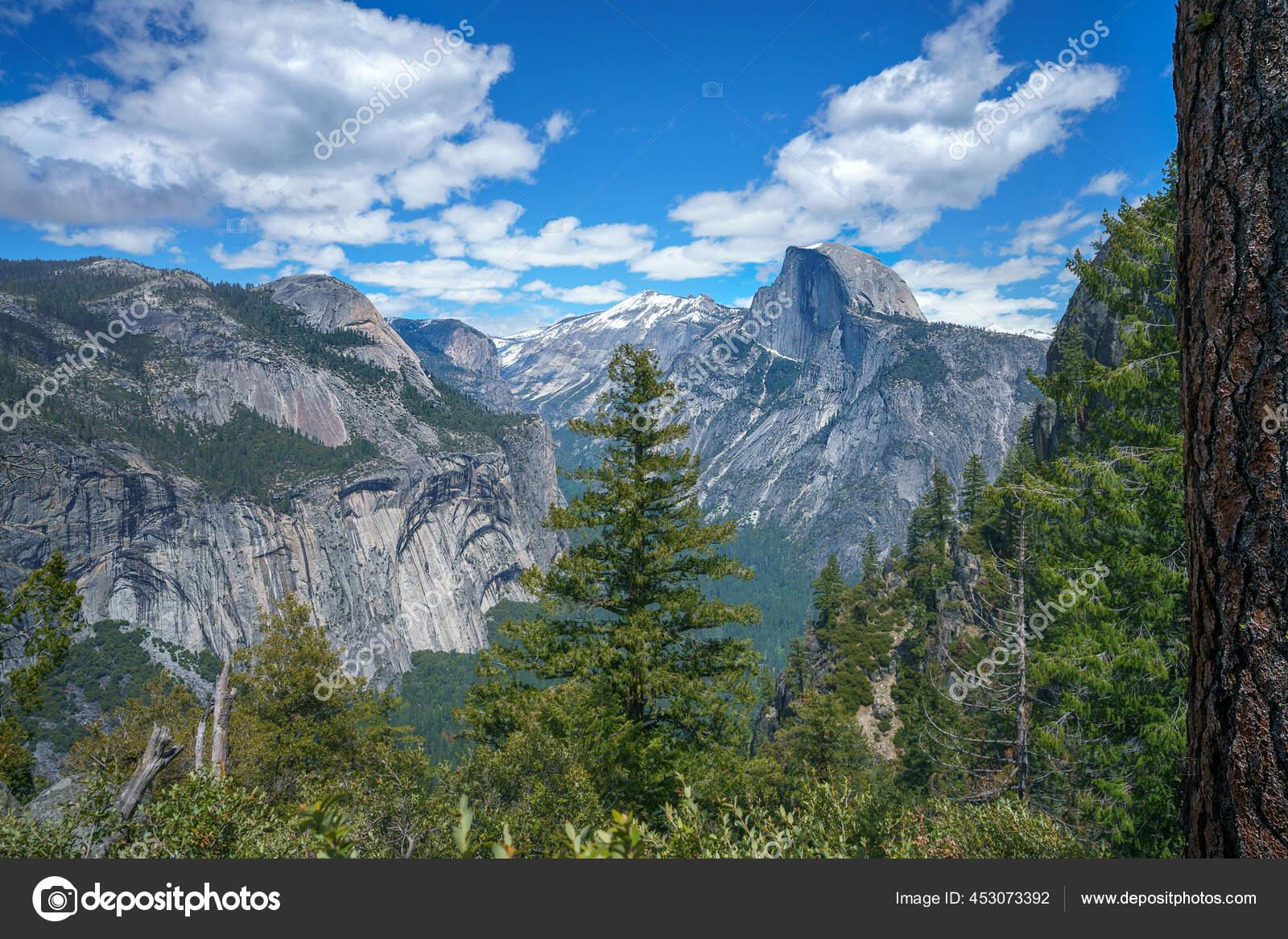 Caminhadas a trilha de quatro milhas no parque nacional de Yosemite, na  Califórnia, nos EUA 12