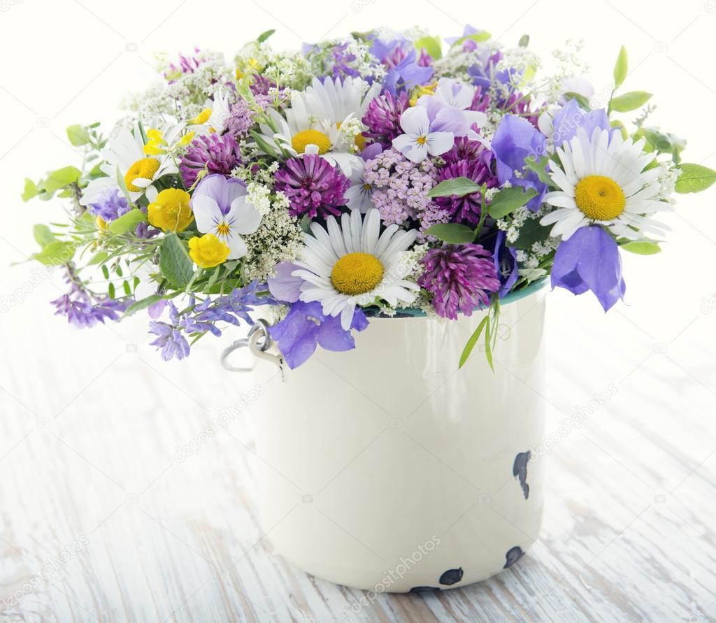 Wild Flower Bouquet Stock Photo Anskuw 105010590