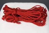 rote Seile für Shibari