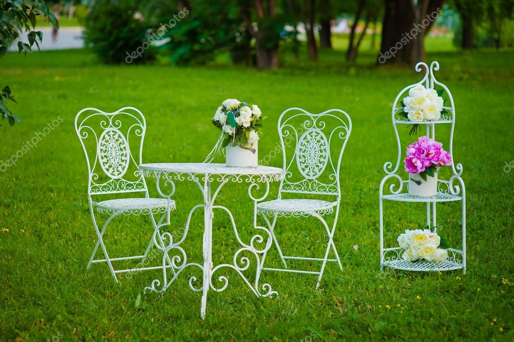 Sedie In Metallo Vintage : Oltre fantastiche idee su sedie in metallo vintage su