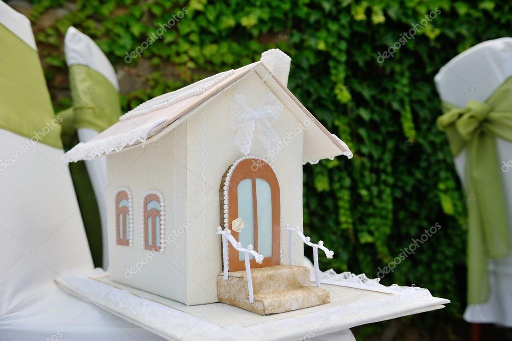 Hochzeitsgeschenke Box Haus Fur Geld Stockfoto C Timonko 59437613