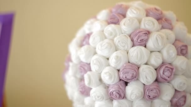 krásné svatební kytici bílých růží