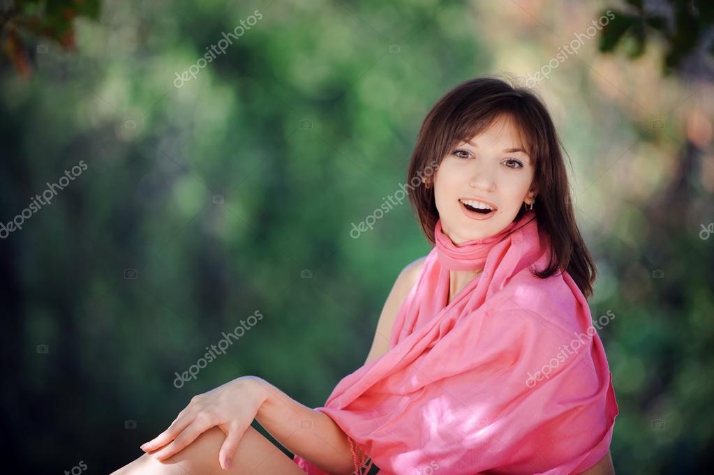 Красивые картинки одинокая женщина в парке на скамейке, трансвеститы видео подборка