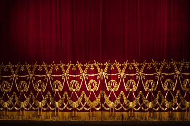 Beautiful Indoor Theater Stage curtains With Dramatic Lighting