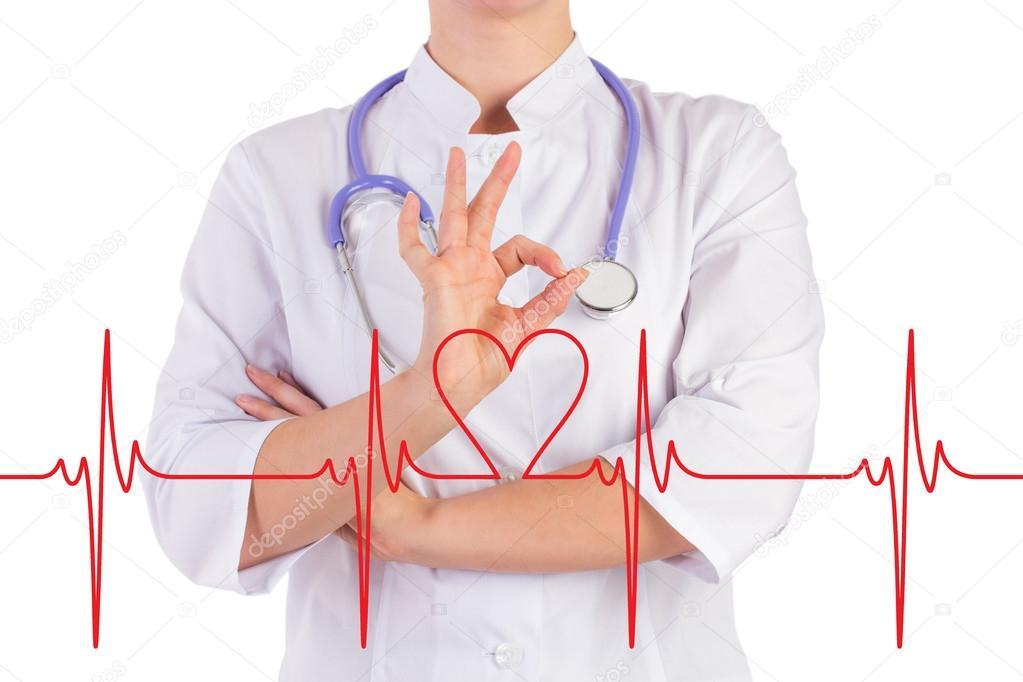 Arzt-Hand zeigt, dass alles in Ordnung, das Diagramm des Herzens ist ...