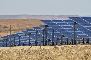 Photovoltaics in desert solar power farm in the Negev desert, Is