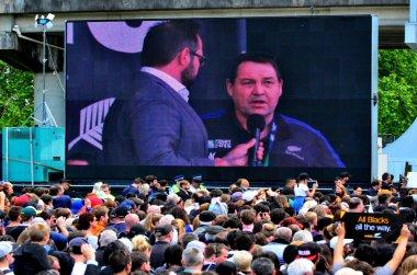 All Blacks coach Steve Hansen speek to the crowd in Victoria Par