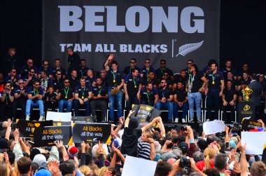 All Blacks team thanks to their fans