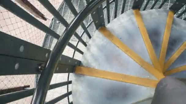 Lezení dolů spirála staircas