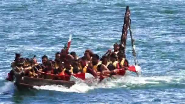 Vitorlázás Auckland Új-Zélandon, maori waka örökség
