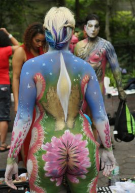 Artists paint 100 fully nude models of all shapes and sizes during third NYC Body Painting Day in midtown Manhattan