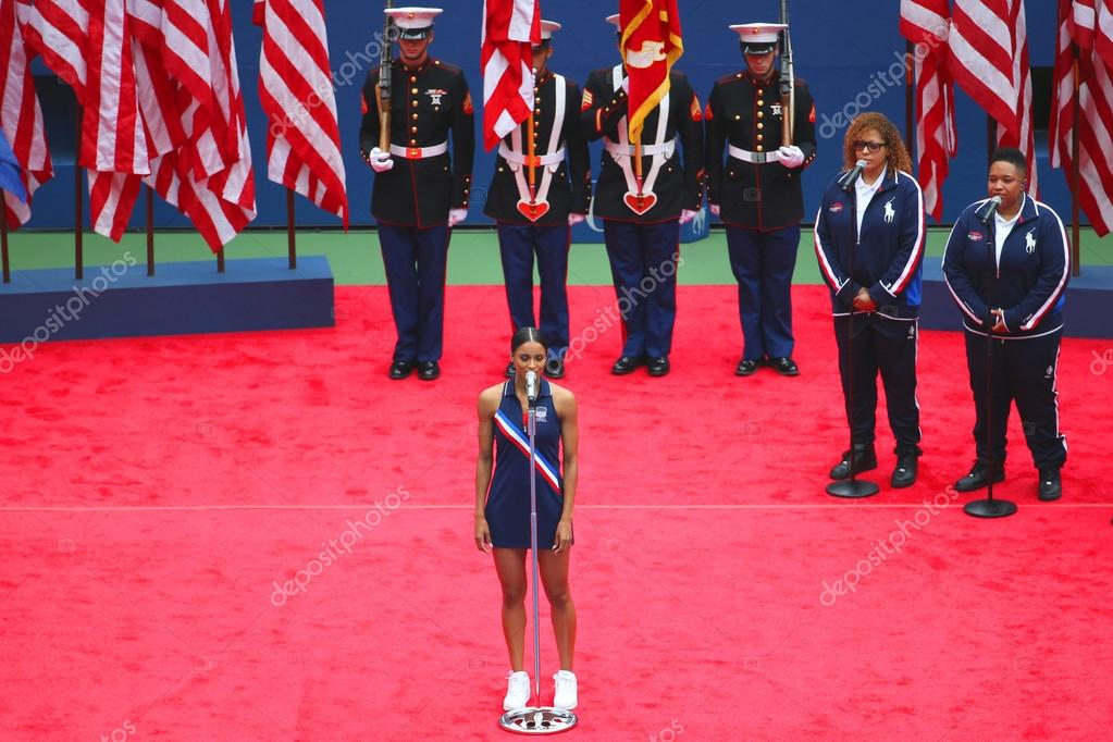 Ciara sings God Bless America before the US Open 2015 Women's singles final