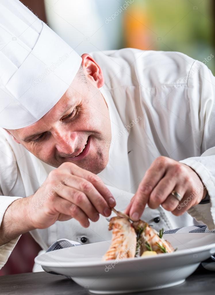 Chef. Chef di cucina. Cuoco unico piatto decorazione. Cuoco unico ...