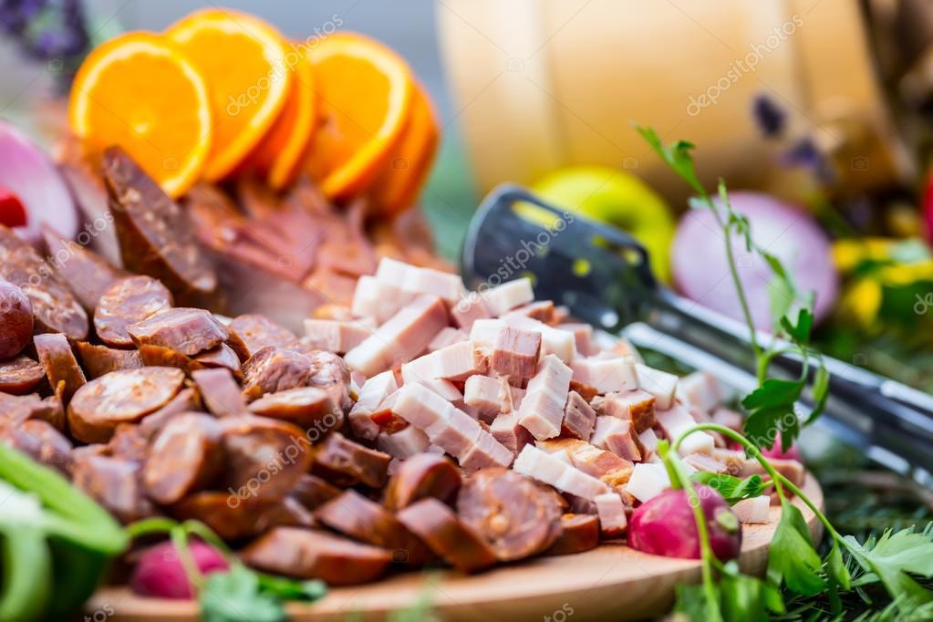 Catering Buffet Tisch Mit Einem Leckerem Essen Speck Wurst Gemuse