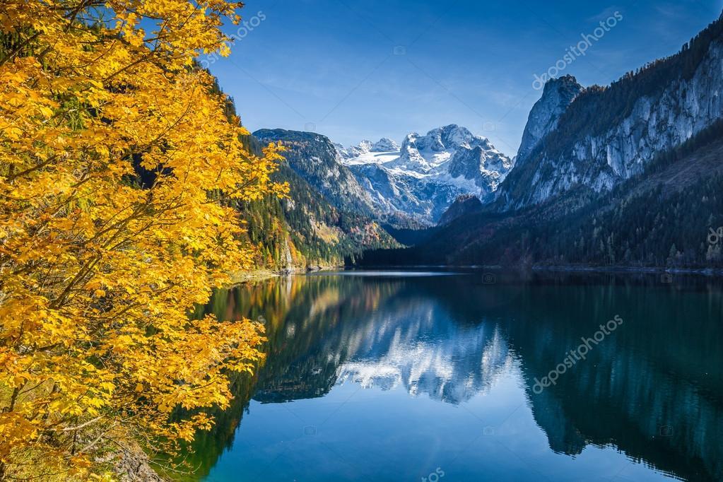 Фотообои Autumn scenery with Dachstein mountain at Gosausee, Salzkammergut, Austria