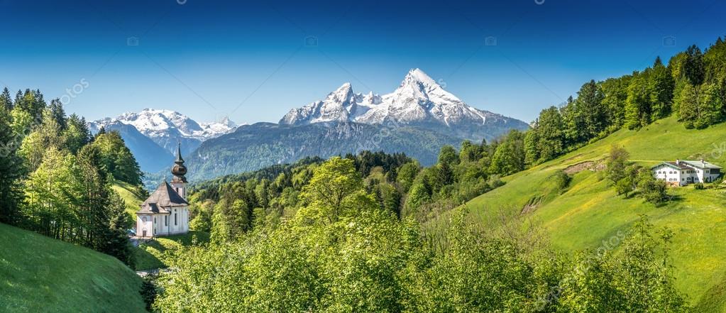 Idyllic mountain landscape in the Bavarian Alps, Berchtesgadener Land, Bavaria, Germany