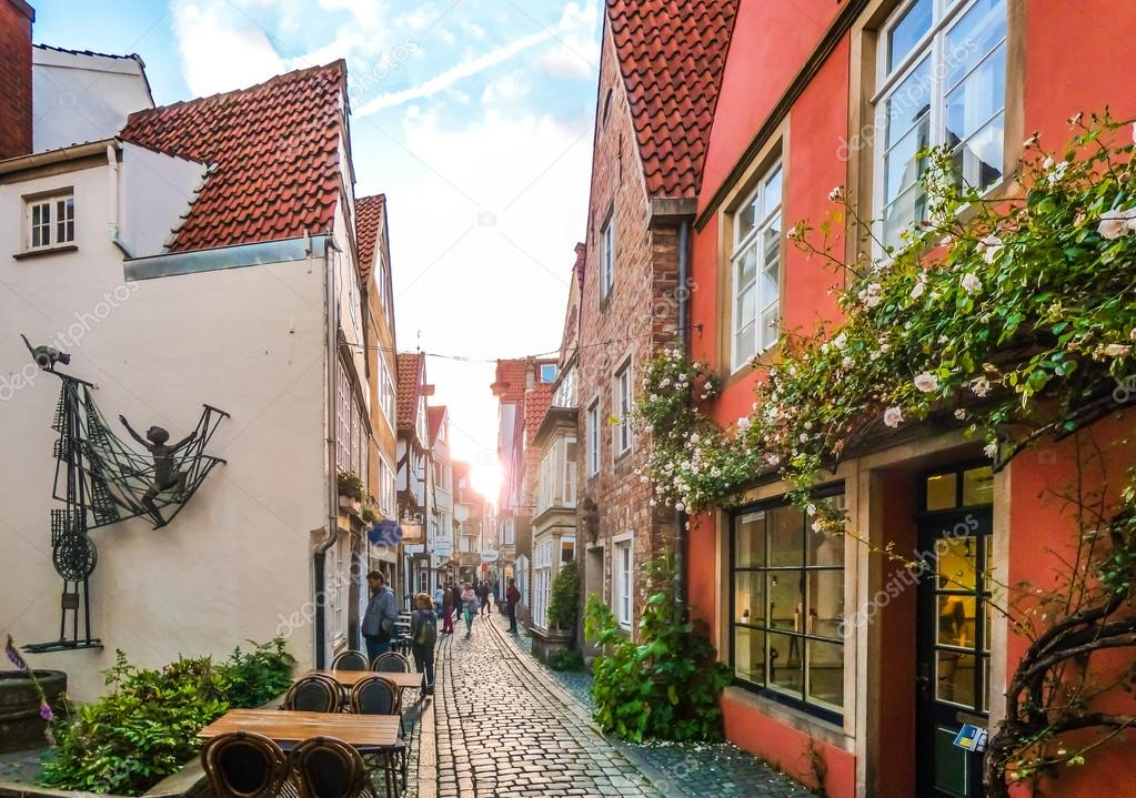 Фотообои Colorful houses in famous Schnoorviertel in Bremen, Germany