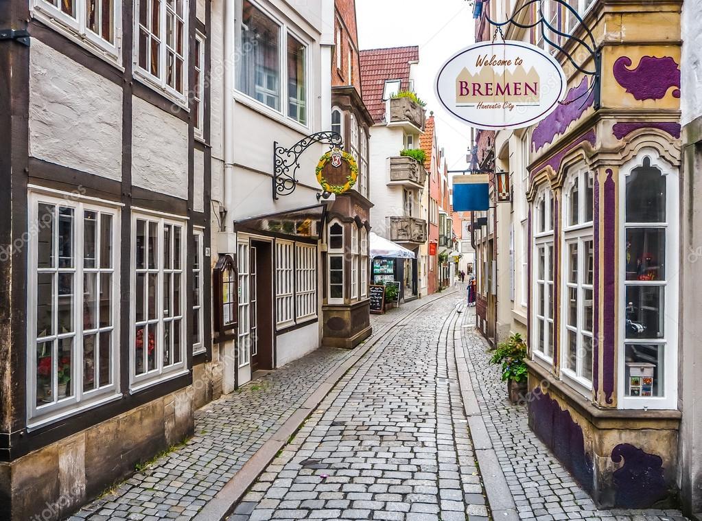 Фотообои Colorful houses in famous Schnoorviertel in Bremen, Germany