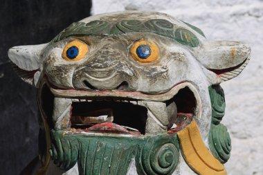 Snow lion carving. Mingyur Phodrang-Norbulingka-Lhasa-Tibet. 1268