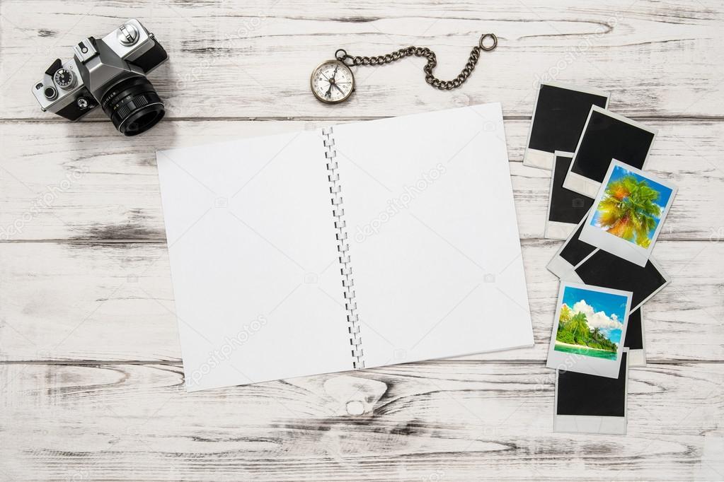 Libro, la cámara de fotos, cuadros y marcos — Foto de stock ...