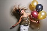šťastná žena s balónky
