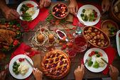 Desky s slavnostní jídlo