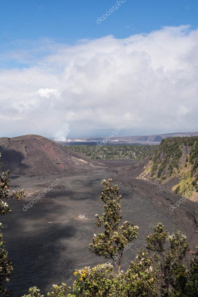 ハワイ島キラウエア カルデラ — ...