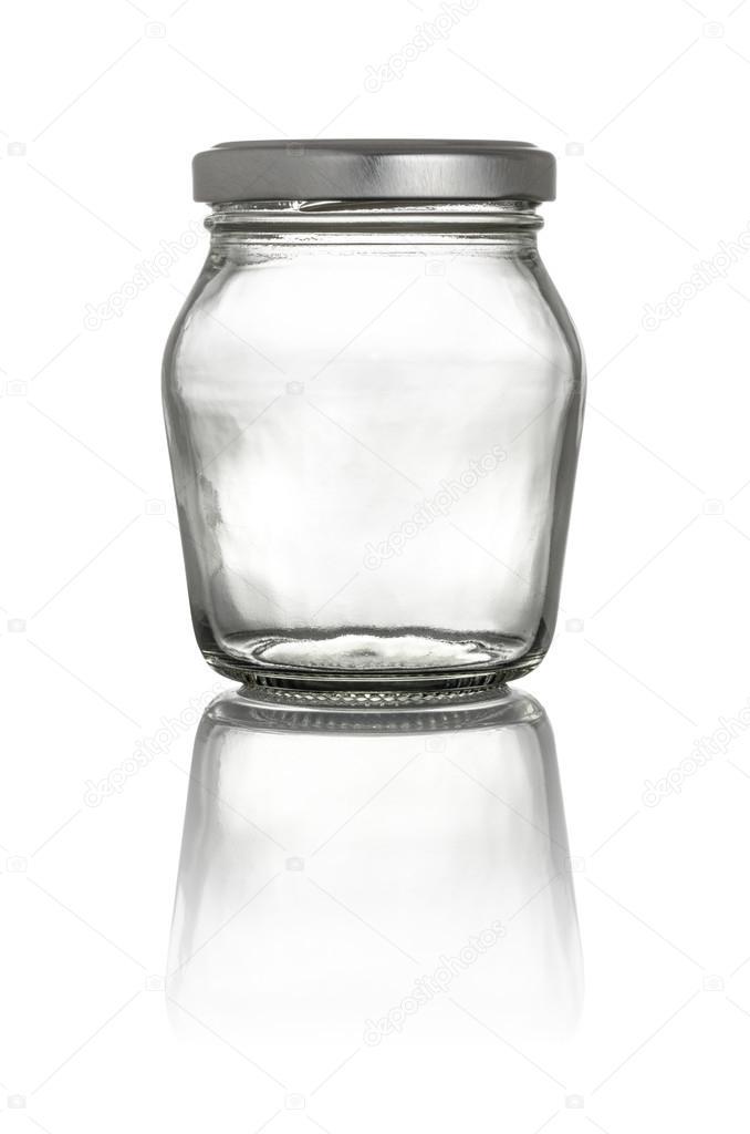 Pot Met Deksel.Geisoleerde Glazen Pot Met Deksel Op Een Witte Achtergrond