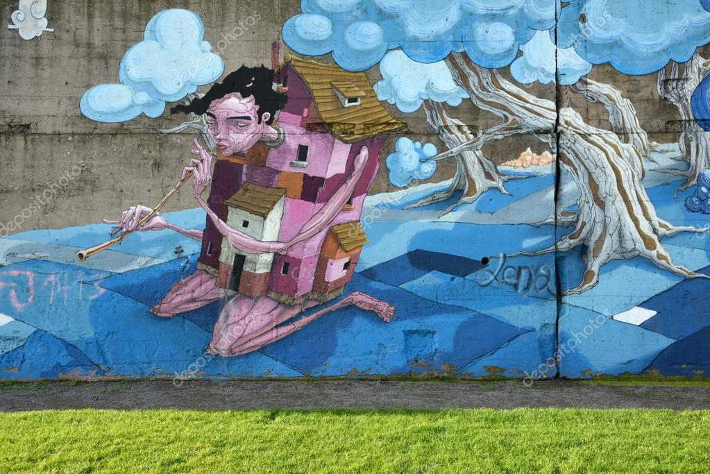 Graffiti Duisburg graffiti in rheinpark duisburg stock editorial photo fla 92841900