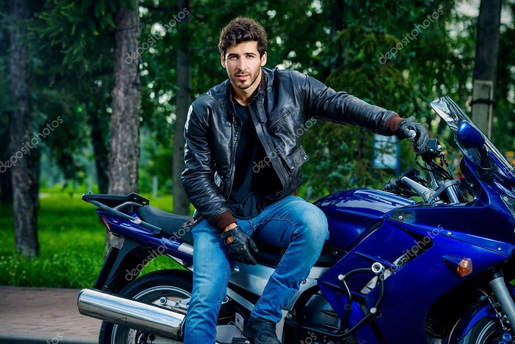 Сексуальный мотоциклиста